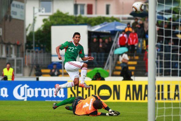 Los goles corrieron a cargo de Javier Hernández al 17 y 50 minuto...