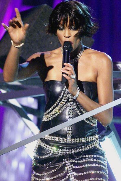 El 11 de febrero de 2012, Whitney, su hija y todo su staff estaban en el...