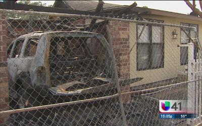 Familia investiga quién provocó un incendio en su casa en el sur de San...