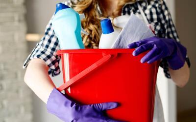 Atención a la hora de limpiar: Conoce los productos que podrían mandarte...