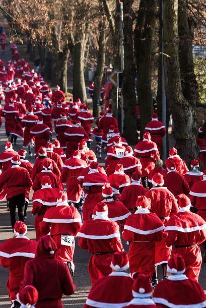 Llego Dieciembre, llego Navidad, llegaron miles de Santas.