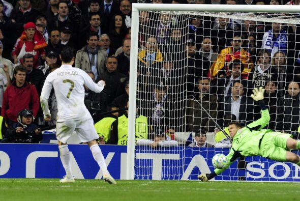 Ya en la tanda de penales, Cristiano Ronaldo ejecutó el primero pero Neu...