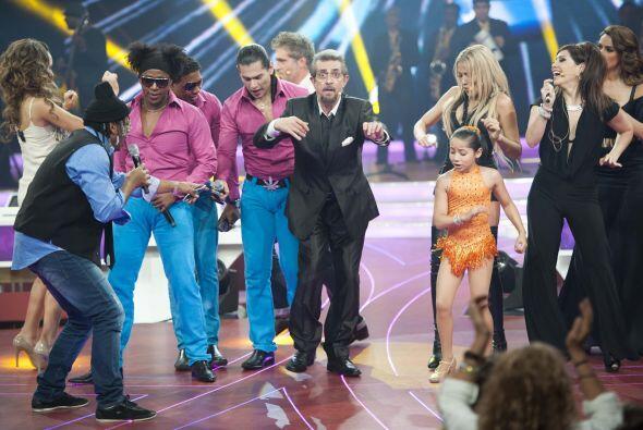 No quedó duda de que el Flaco también es un gran bailarín.