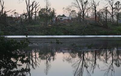 Mortíferos tornados deja cerca de 40 muertos y millones sin electricidad