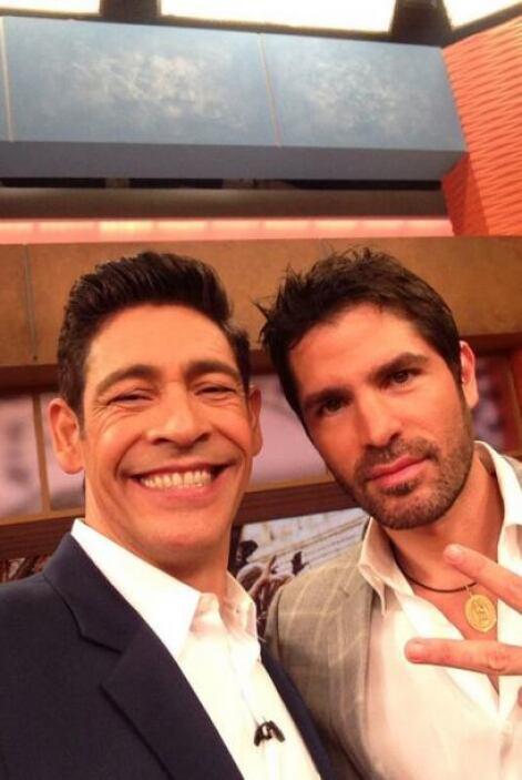 """""""Foto con mi amigo @EVerastegui que hoy nos visita en @DespiertaAmeric p..."""