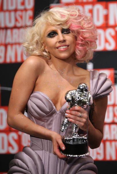Lady Gaga La extravagante cantante está en el puesto 67.   Vota aquí por...