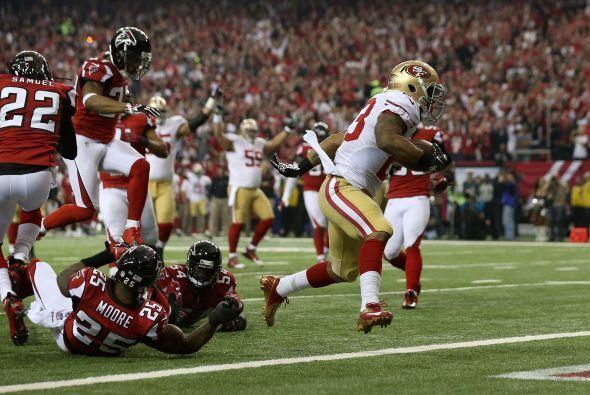James rompió varias tackleadas para que San Francisco entrara por vez pr...