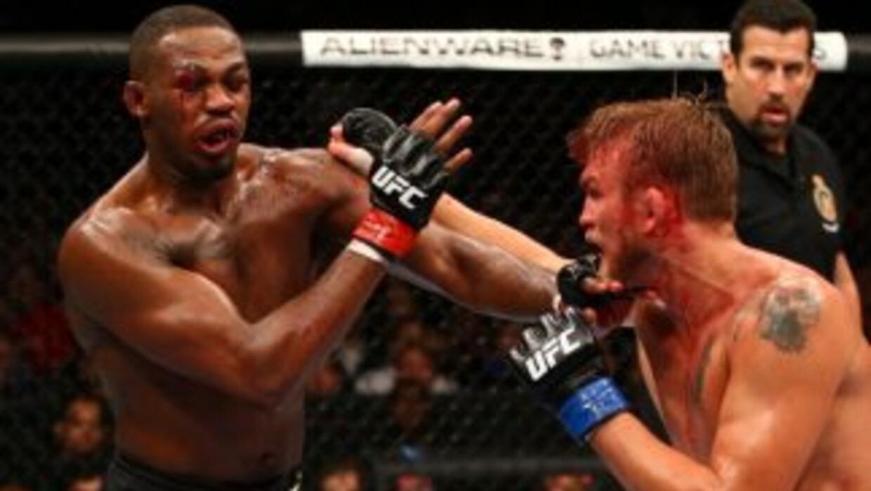 Jon Jones ganó por decisión unánime en UFC 165.