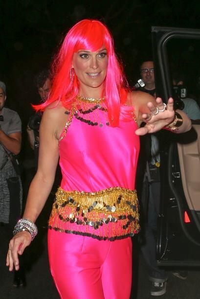 También hizo su aparición en la fiesta la modelo Molly Sims, que iba tod...