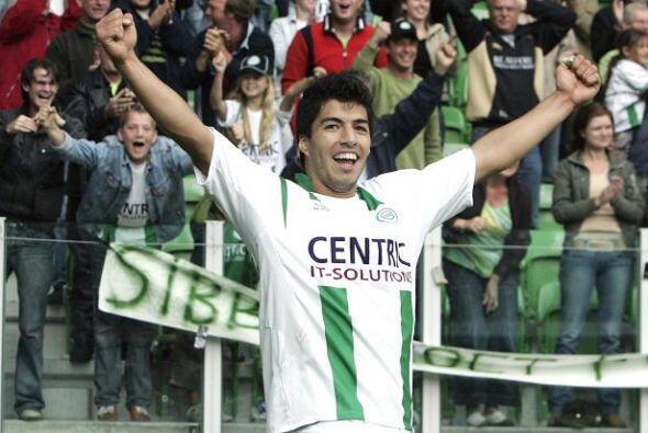 Aterrizó  en el 2006, primero con el Groningen, equipo de la Eredivisie...