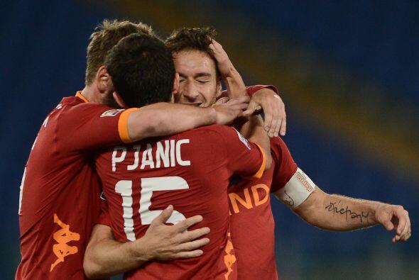El capitán de la Roma disputó su partido 500 como profesio...