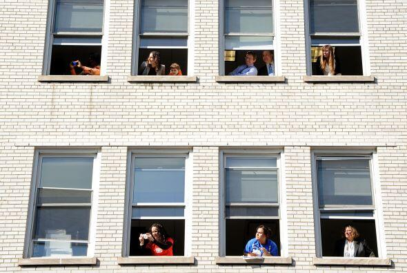 Las ventanas de los rascacielos y cualquier edificio que quedara al paso...