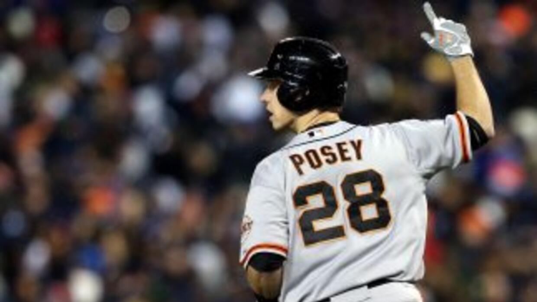 El acuerdo garantiza que Posey seguirá con el equipo durante los primero...