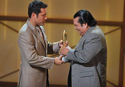 El momento más emotivo fue cuando Oscar de la Hoya homenaje&oacut...