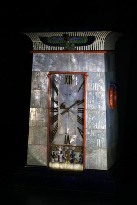 ¿Quieres saber la hora? Este exclusivo reloj egipcio te la dirá con exac...