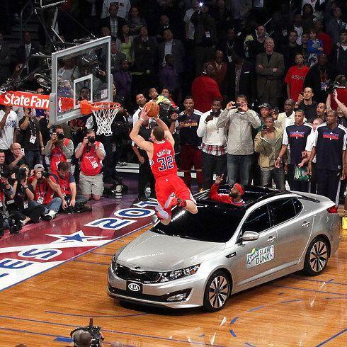 2011 - 2011 - Blake Griffin, de los Clippers de Los Angeles, hunde el ba...