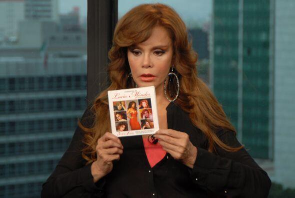 La estrella presentó el lanzamiento del disco 'Lo Esencial de Lucía Ménd...