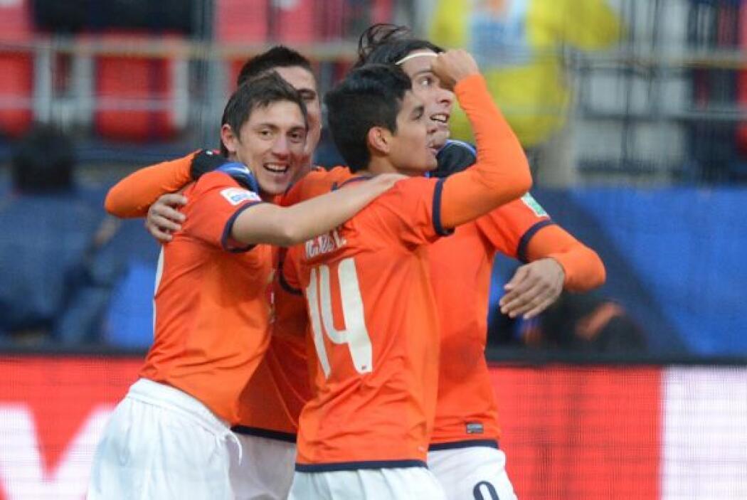 Y con apenas nueve minutos jugados, Monterrey ya ganaba con gol de Jesús...
