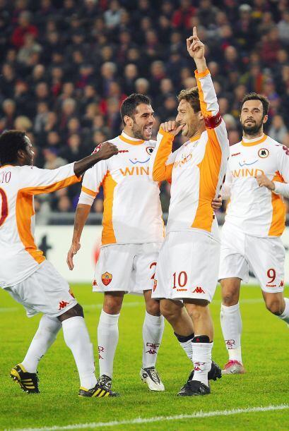 Menez y Totti consiguieron los primeros goles del 'Cuadro de la Loba'.