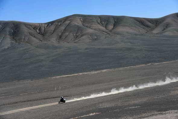 En motos el español Marc Coma le arrebató la primera posic...