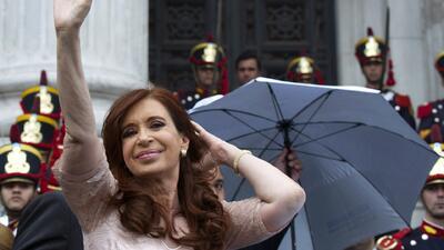 Polémica por costosas joyas de Kirchner