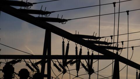 Miles de residentes en el sur de California quedaron sin servicio el&eac...