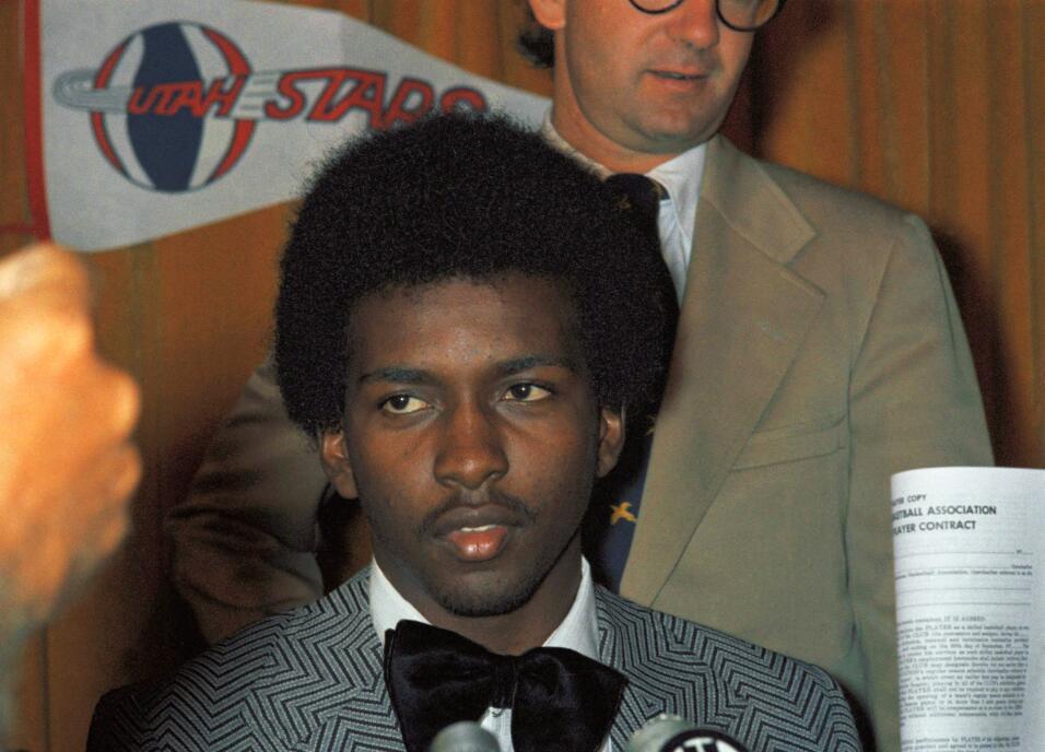 Malone se convirtió en el primer jugador en la historia de la NBA que pa...