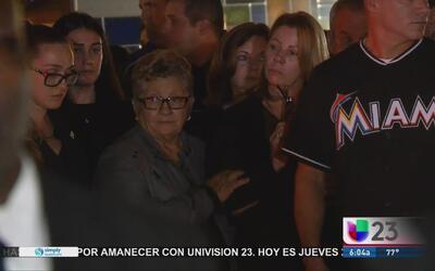 Cientos de admiradores dan su último adiós a José Fernández