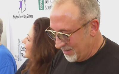 Gloria y Emilio Estefan fueron los anfitriones del evento 'Alimente a un...