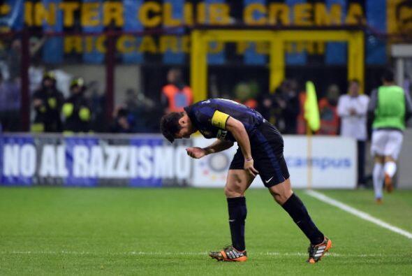 Momento en el que entra al campo por última vez en partido oficia...