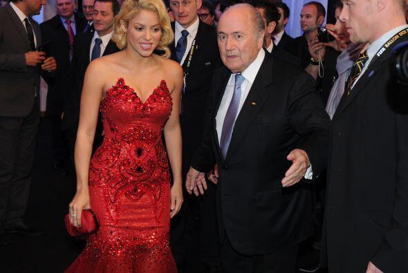 El máximo dirigente de la FIFA la invitó a sentarse a su lado durante la...