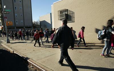 Algunas escuelas son desalojadas por amenazas electrónicas