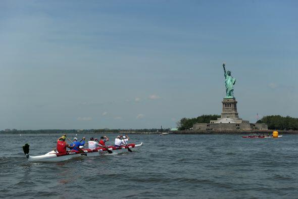 Sandy tocó tierra un día después del cumpleaños 126 de la estatua, inund...