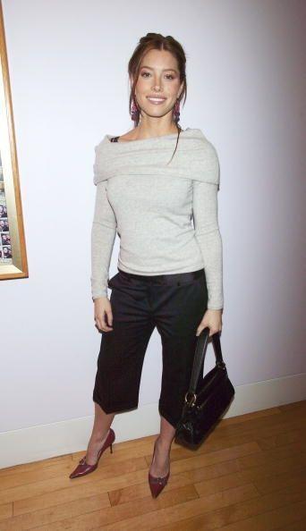 Los pantalones 'capri'  fueron otro  'must' de 10 años atrás. Con su bas...