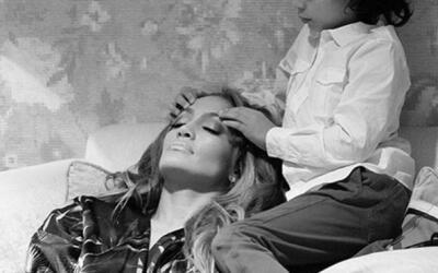 Antes de su show en Las Vegas, el pequeño Max le dio un masaje en el ros...