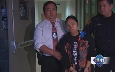 Arrestan a mujer que abandonó a bebé en baño