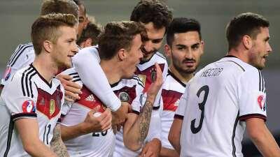Alemania sufrió pero clasifica a la Euro