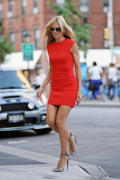 Heidi Klum parece un ángel caído del cielo. ¿No crees?  Mira los chismes...