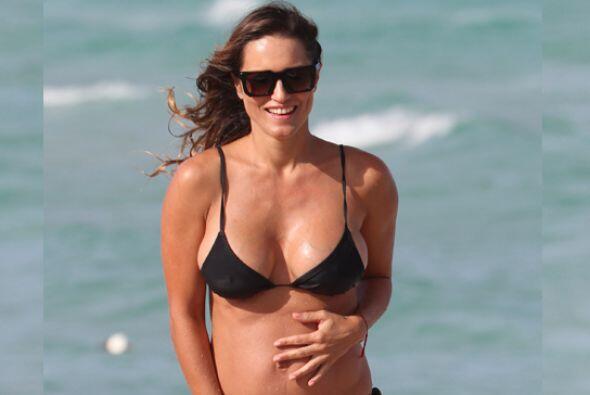 La argentina es una de las famosas que aún con embarazo luce un c...