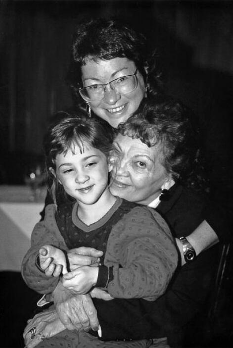Tres generaciones de mujeres Sotomayor: la sobrina Kiley, su mamá y Sonia.