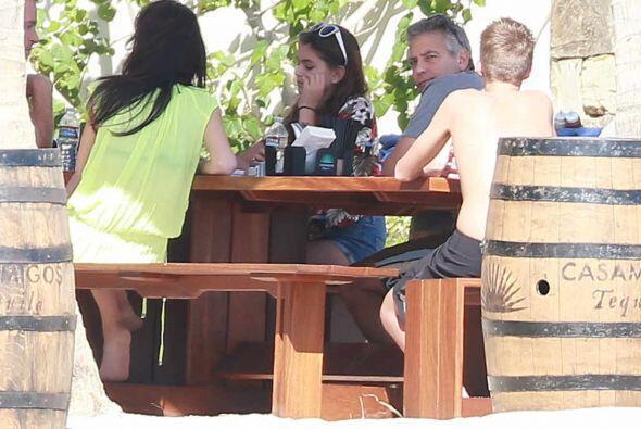 George y Amal se encuentran en Cabo San Lucas, México para pasar...