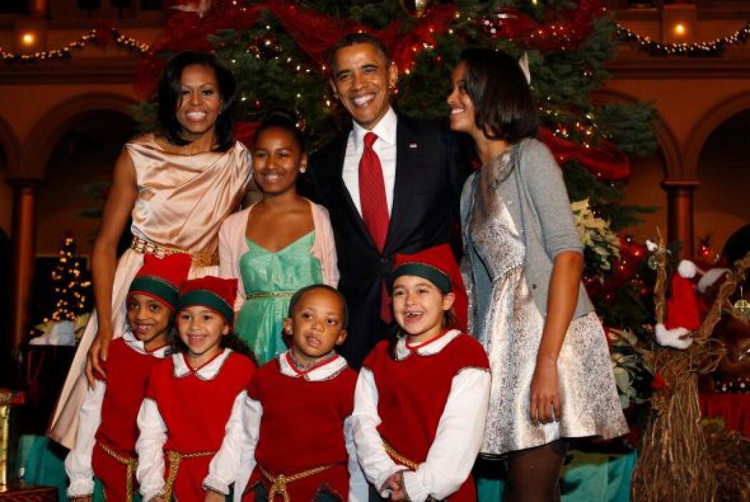 El presidente Barack Obama y su familia asistieron el domingo a un conci...