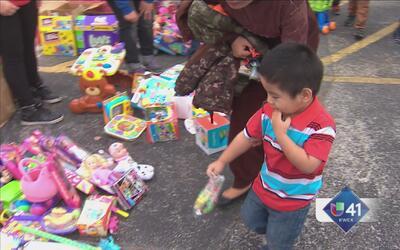Niños refugiados celebran la Navidad en SA