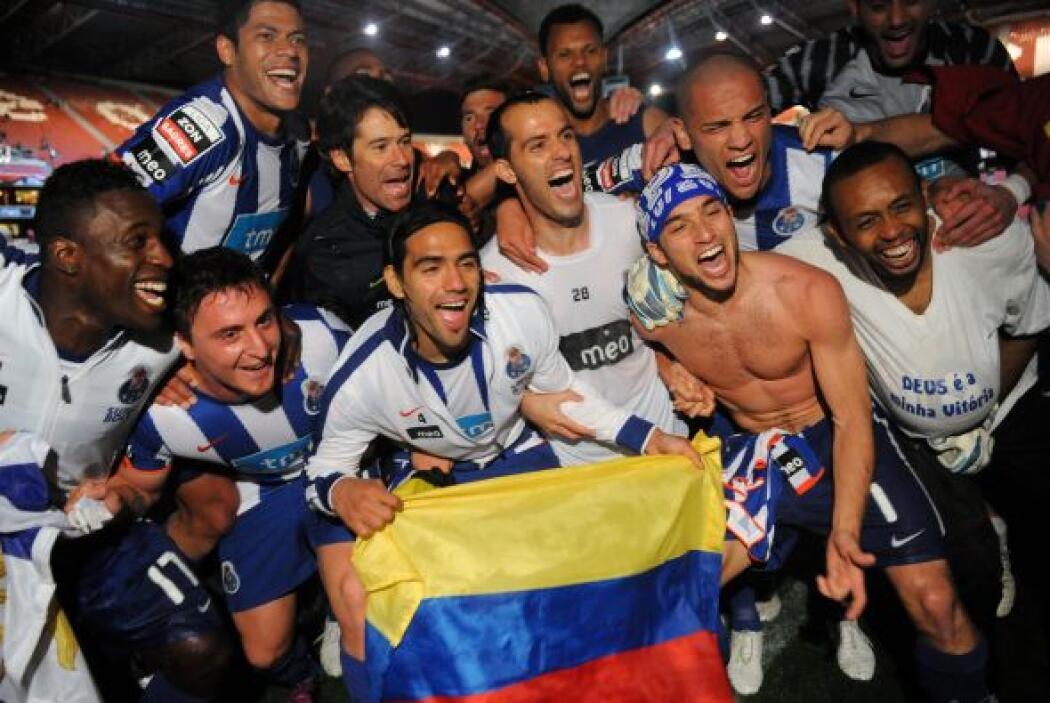 La bandera de Colombia, país del que provienen muchos de los jugadores d...