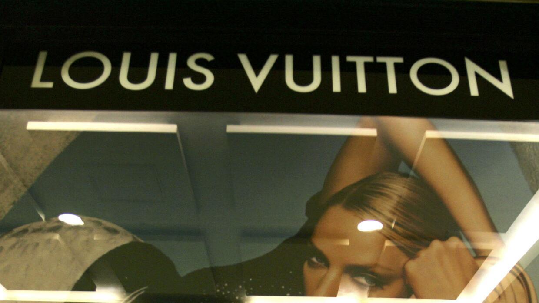 'Chicago en un Minuto': individuos habrían robado tienda Louis Vuitton u...
