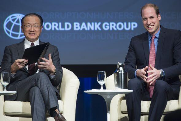 William estuvo codo a codo con Jim Yong Kim, presidente del Banco Mundial.