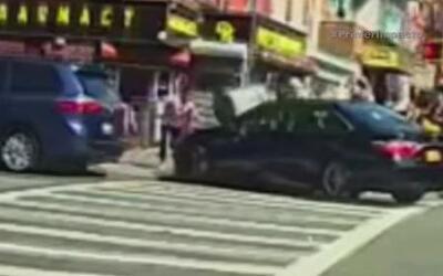 Sujeto paga con billete falso y atropella a un niño de 9 años en Nueva York