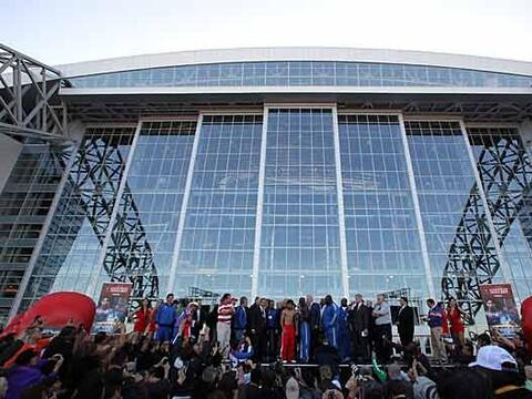 El majestuoso Cowboys Stadium de Dallas vivió la primera ceremoni...