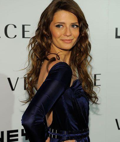 Mischa BartonEsta actriz y modelo británica se dio a conocida por...