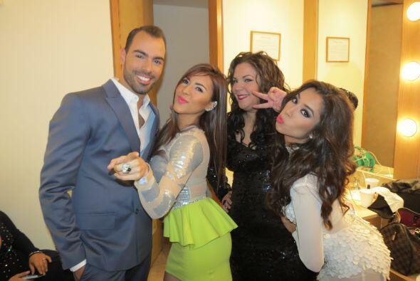 Junto a Arias, Aly Villegas y Yazaira.